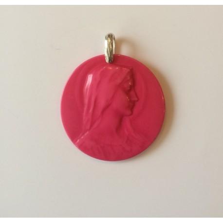 Medalla de resina, Virgen de perfil., fucsia.