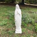 Virgen de Lourdes, cemento, 42 cm.